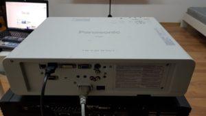 Zadnja strana Polovnog projektora PANASONIC FW430