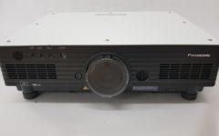 PROFI projektor Panasonic snage 5000 lumena