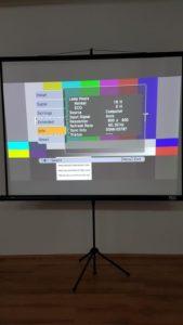 Projektor Epson EB-S72 test projekcija na platnu
