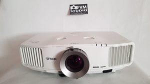Prednja strana - Polovni projektor Epson Europe EB g5200w