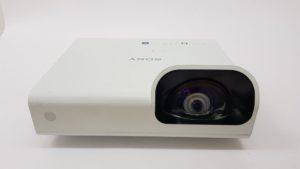 Projektor Sony VPL-SX235 polovan